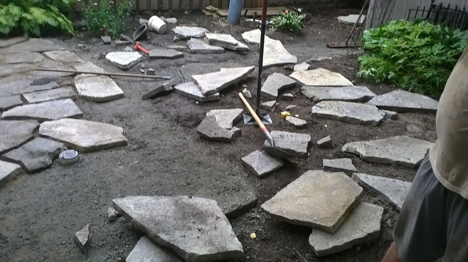 Natural-Flagstone-patio-2